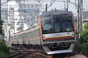 Tokyo Metro 10000 series - 8-car set 10104 on a Tokyu Toyoko Line service September 2012