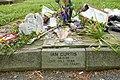 Tombe de Ian Curtis.jpg