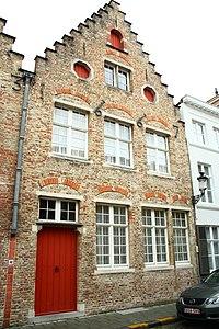 Twee diephuizen, trapgevels van 1667 en 1643 - Moerstraat 46 - Brugge - 29498.JPG