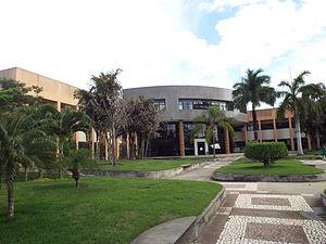 9445c992cb06b Área da reitoria da Universidade Estadual de Feira de Santana, a segunda  melhor universidade pública do estado da Bahia, ficando atrás apenas da  UFBA.