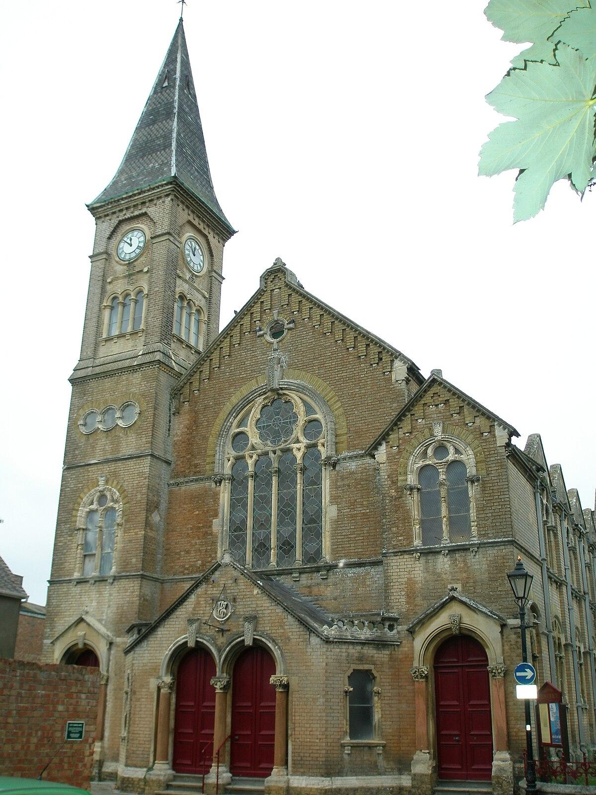 URC Church Christchurch Dorset.JPG