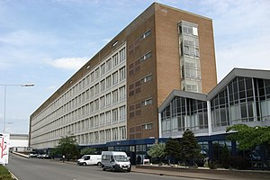 English: Unipart House, Cowley, Oxford, Englan...