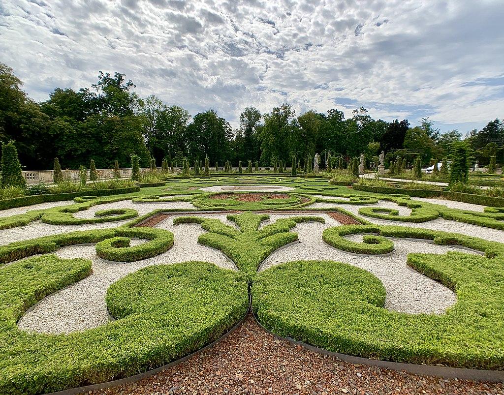 Upper Baroque Garden in Wilanów Park, 2019, 11.jpg