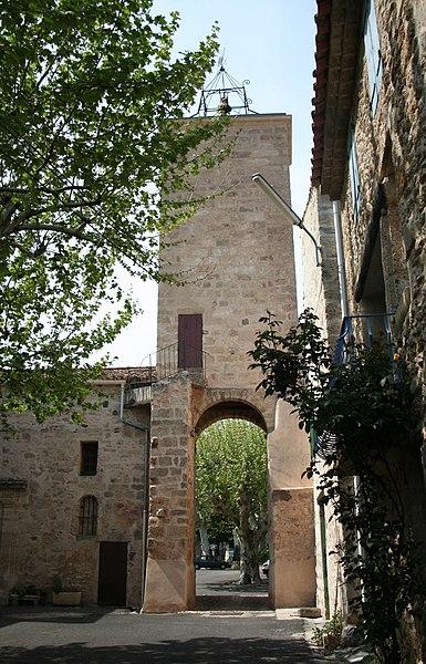 Usclas-d'Hérault (Hérault) - Tour-clocher, porte du village.