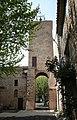 Usclas-d'Herault-Tour-clocher-porte.jpg