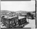VIEW LOOKING SOUTHWEST AT BULLITT AVENUE AND SIXTH STREET - Town of Jeannette, Jeannette, Westmoreland County, PA HABS PA,65-JEAN,68-7.tif