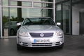 VW-Phaeton-silver-front.jpg