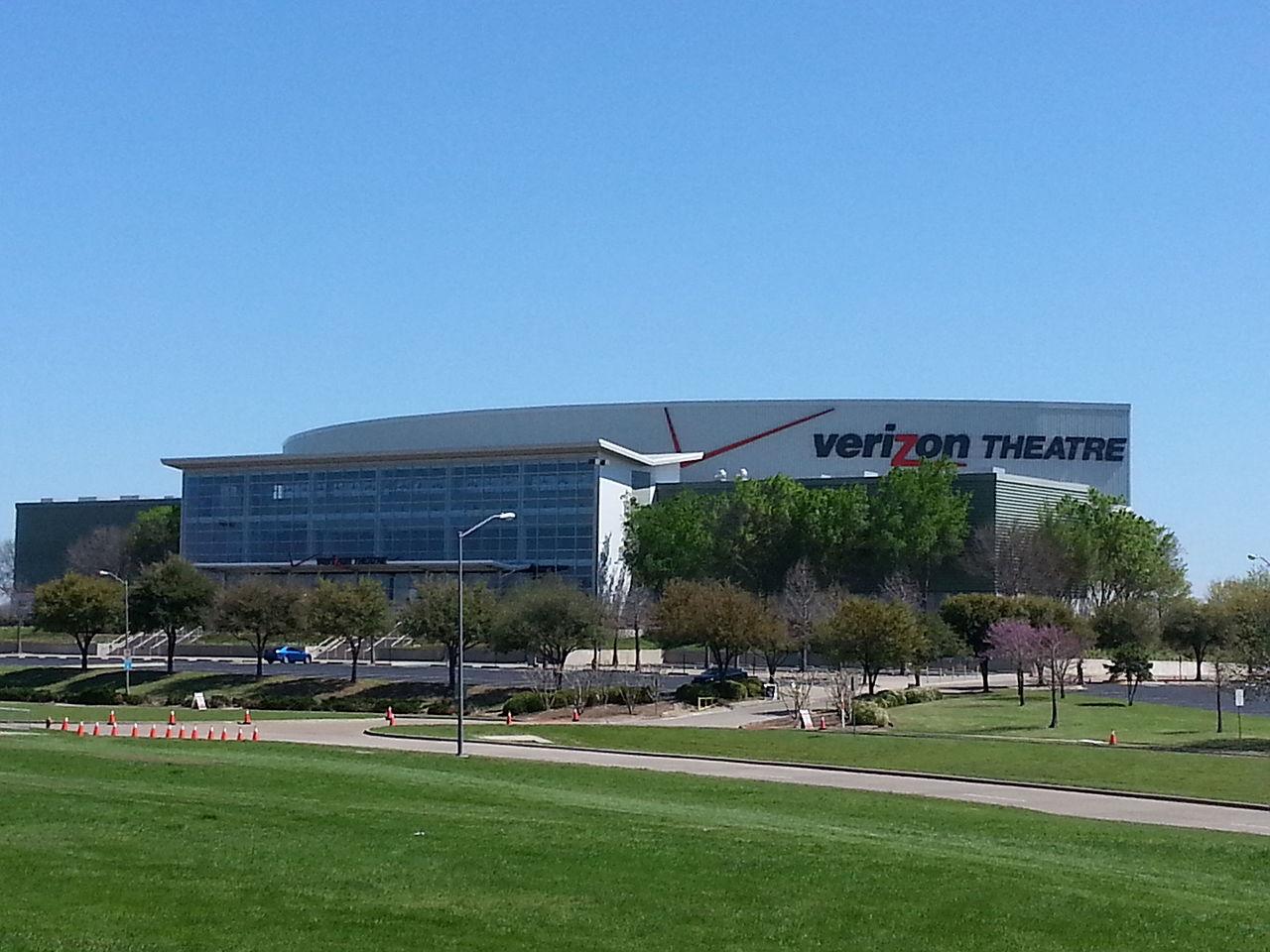 1280px-Verizon_Theatre.jpg