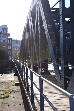 Victoria Swing Bridge - The footpath on the north side of the bridge