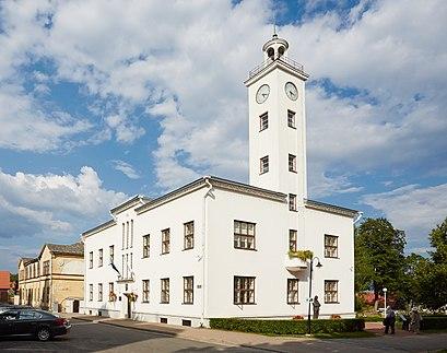 Kuidas ühistranspordiga sihtpunkti Viljandi jõuda - kohast
