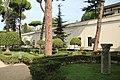 Villa giulia, giardino all'italiana con pini romani 2.jpg