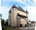 Villeneuve-sur-Yonne-FR-89-porte de Sens-coté mairie-a5.jpg