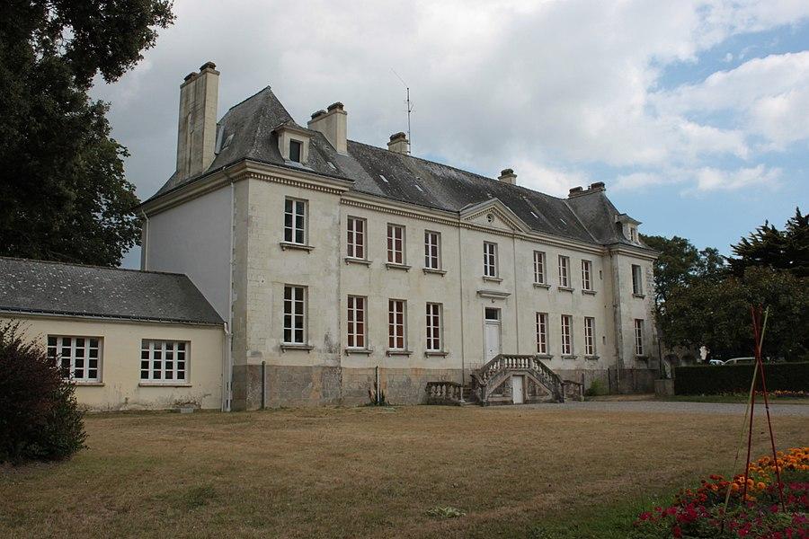 Bâtiment principal de Notre-Dame-de-Prières. Fr-56-Billiers.