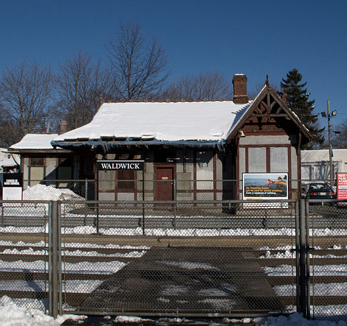Waldwick Station 2011.jpg