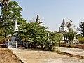 Wat Kampong Tralach Leu Stupa 06.jpg