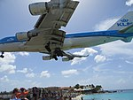 Watching the KLM land at Maho, St Maarten, Oct 2014 (15634807036).jpg
