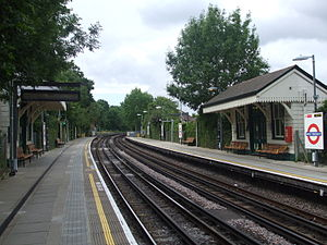 West Finchley tube station - Image: West Finchley stn southbound