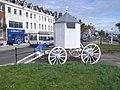 White cart near King George III statue - geograph.org.uk - 885879.jpg