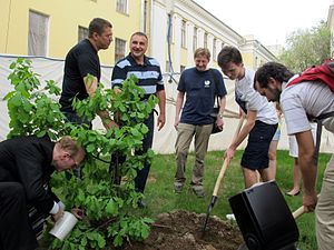 Wiki Party in Moscow 2013-05-18 (Wikipedia Alley; Krassotkin; 37).JPG
