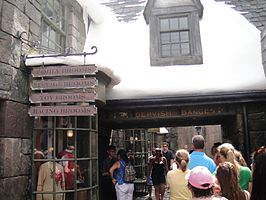 Wizarding World of Harry Potter - the line outside Dervish and Banges (5013546425).jpg