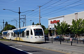 MAX Yellow Line - A southbound train near the intersection of North Interstate Avenue and Lombard Street in 2015