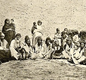 Yezidis of Mount Sinjar.jpg