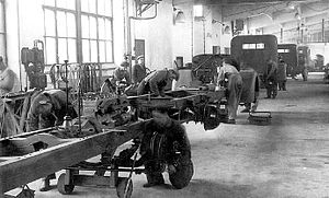 Vanajan Autotehdas - The Yhteissisu assembly line at an early stage of the production