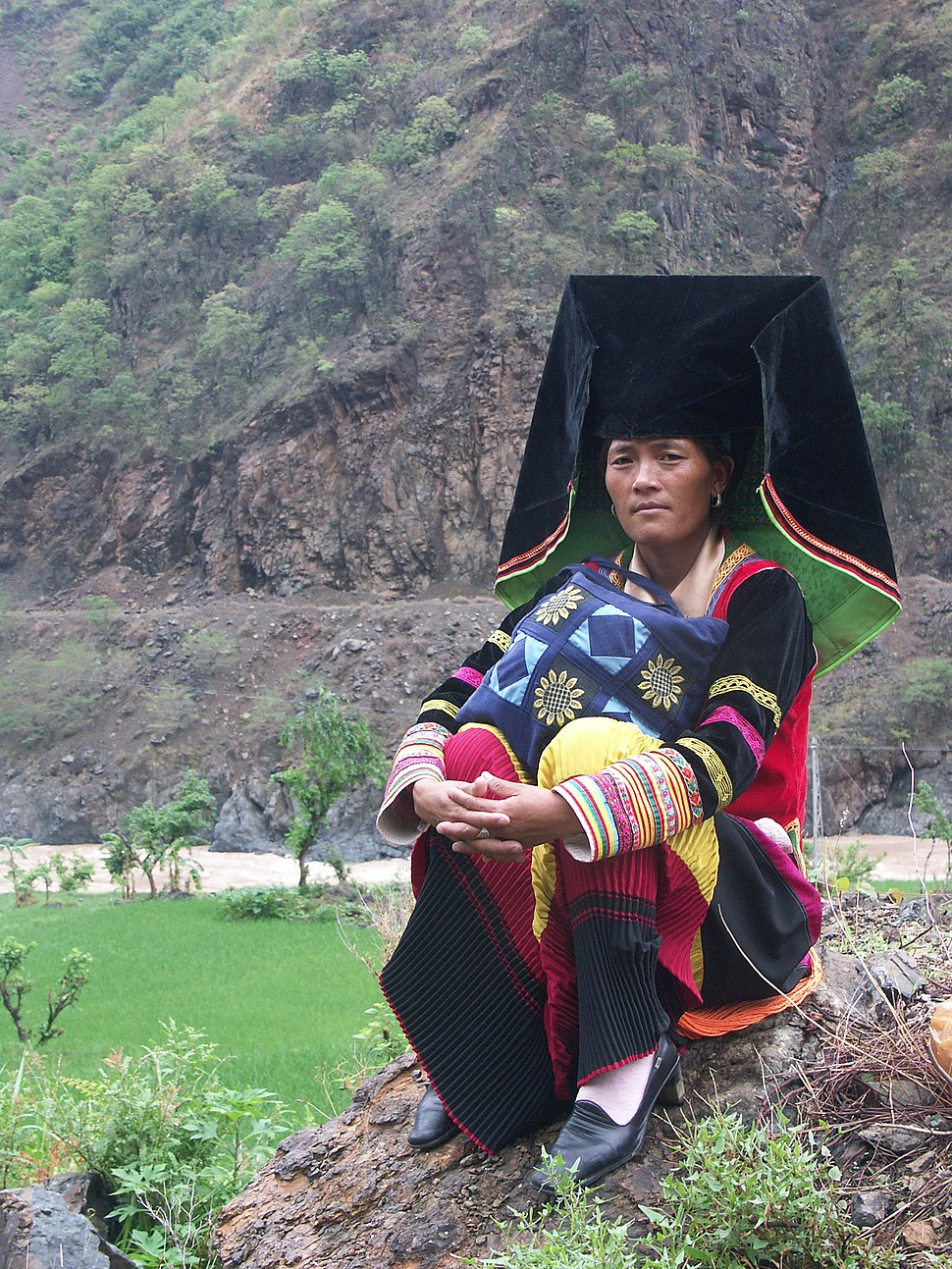 Yi woman in traditional dressing