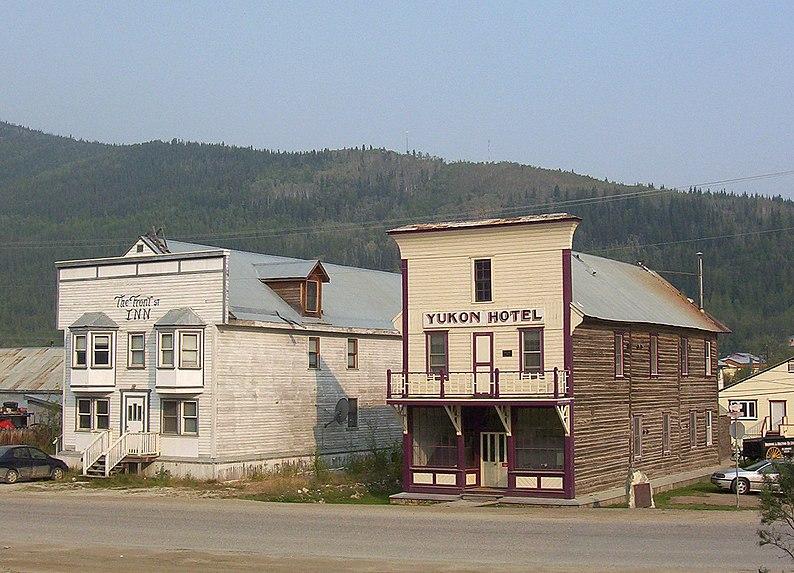 File:Yukon hotel, Dawson.JPG