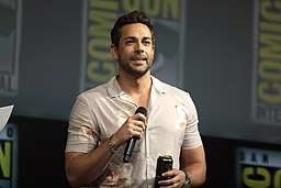 Zachary Levi by Gage Skidmore 5