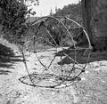 """""""Brinčja"""" za nošnjo sena, trave in stelje, Slavče 1953.jpg"""