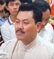 """""""Thần y"""" Võ Hoàng Yên thi triển y thuật chữa bệnh câm điếc.png"""