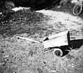 """""""Voziček"""" za otroke, Loka 20, pri Novakovih 1958.jpg"""