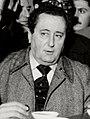 (Cabanillas) Adolfo Suárez junto a Pío Cabanillas, ministro de Cultura, en una tasca de Orense durante la campaña de UCD en las elecciones generales de 1 de marzo de 1979 (cropped).jpeg