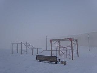 Детская площадка в холодное время года.jpg