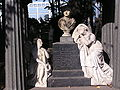 Некрополь 18 века 001.jpg