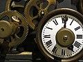 037 Museu Valencià d'Etnologia, La ciutat viscuda, rellotge mecànic de la Beneficència.jpg