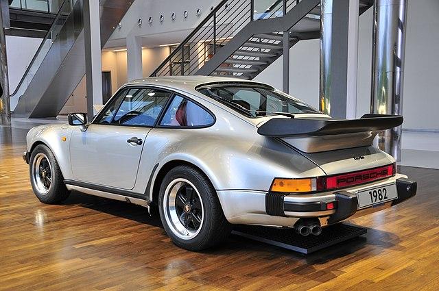 Porsche 911 Turbo 3.3 (930)