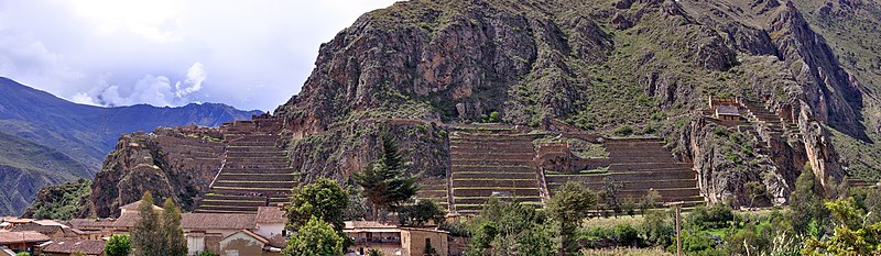 127 - Ollantaytambo - Panorama des ruines - Décembre 2009 - Downsample.jpg