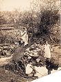 1923. Дети в урочище Бахмутка.jpg