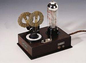 Loewe (electronics) - Image: 1926 Local receiver OE 333