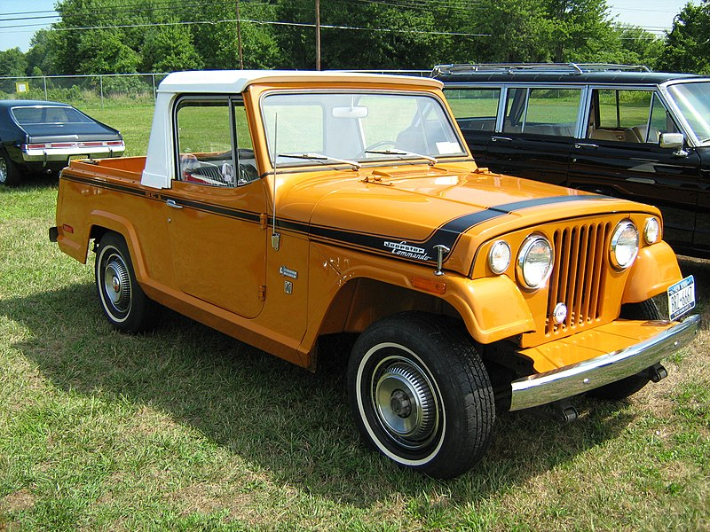 800Px 1971 Jeepster Commando SC 1 Pickup Orange R Cecil%2710