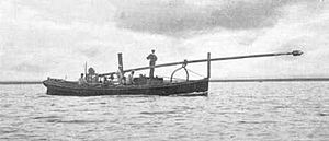 Spar torpedo - A steamboat with a spar torpedo, in transport position