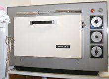 Dry heat sterilisator