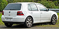 2003-2004 Volkswagen Golf (1J) Sport 5-door hatchback 01.jpg