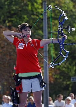 2013 FITA Archery World Cup - Women's individual compound - Final - 09.jpg