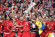 Gli spagnoli del Siviglia, per cinque volte vincitori all'inizio del III millennio, sono i più titolati nell'albo d'oro della coppa.