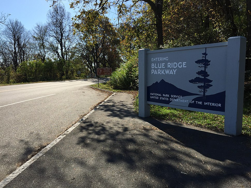 2016-10-24 10 34 39 Sign at the north end of the southbound Blue Ridge Parkway at Rockfish Gap in Nelson County, Virginia