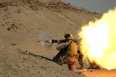 US-amerikansk marinkårssoldat med AT4