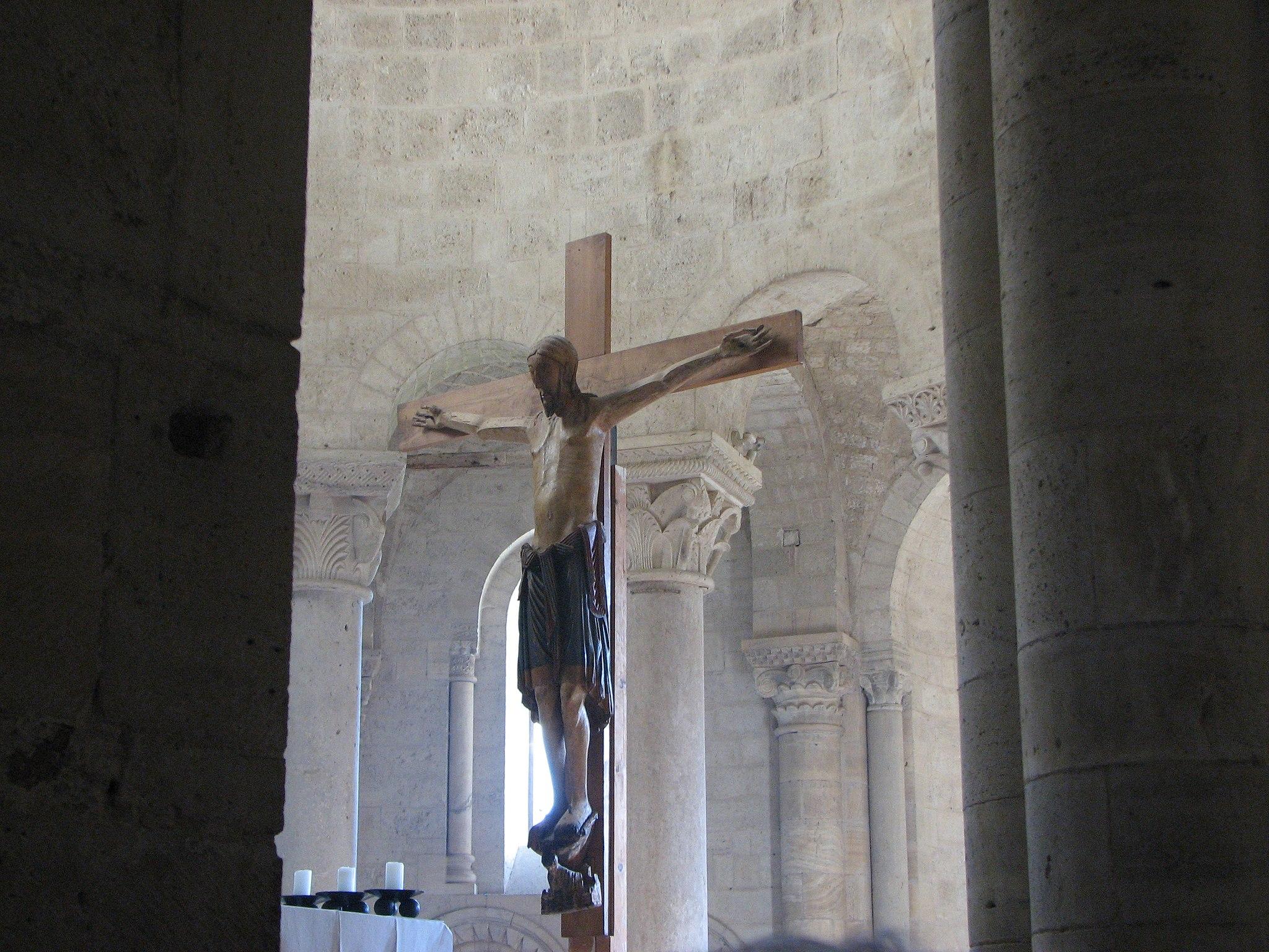 Abbazia di Sant'Antimo - 34 - Il crocifisso dell'altare maggiore